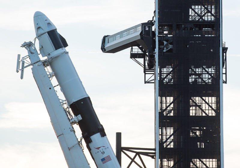 Space-X-il-futuro-è-sempre-più-vicino