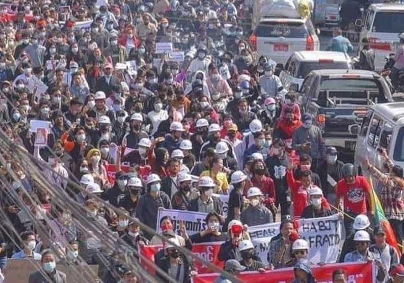 Myanmar: continuano le proteste contro il golpe