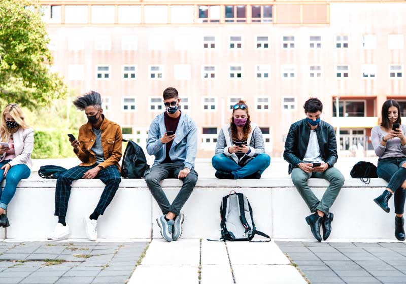 Solitudine e Covid: come i giovani vivono la pandemia