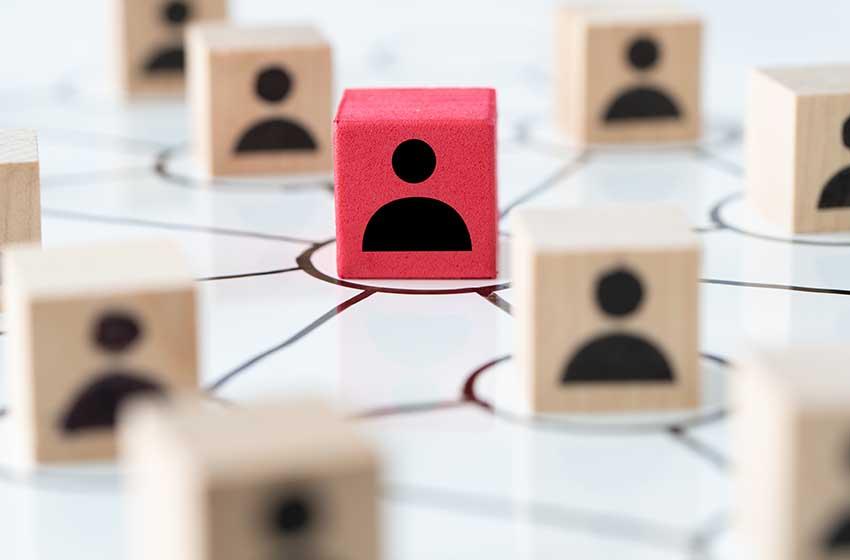Lo scandalo Cambridge Analytica: il libero arbitrio nell'era social