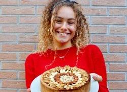 Eva Andrini: l'intervista alla riccia 17enne che cucina