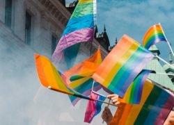 17 maggio 2021: giornata internazionale contro l'omobitransfobia