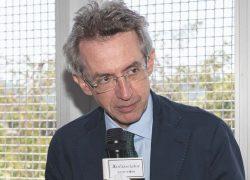 Gaetano Manfredi alla premiazione del Progetto Policoro